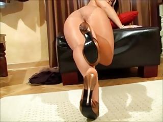 WF99 - Strumpfhosen Show - High Heels - Long Nails