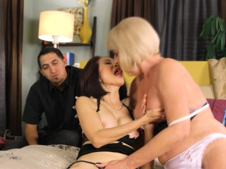 Lickerish mature ladies okay each other coupled with a horn-mad guy