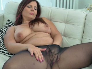 Euro milf Ria Lowering loves wearing pantyhose without underpants
