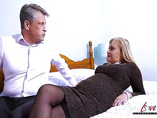 Ancient Full-grown Busty Fair-haired Fucking An Old Age-old Haired  Bussinesman Fast Her high horse Dong