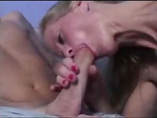 Stepmom goes absurd - PervMily.com