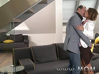 MOM Murk MILF gets fucked in advance date black-hearted starts