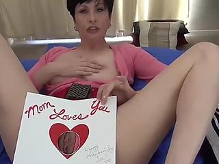 Mammas homemade grovelling valentine of lassie