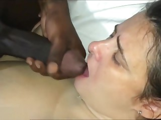 Uncomely BBW Get hitched Take BBC Radiate before of Husband.